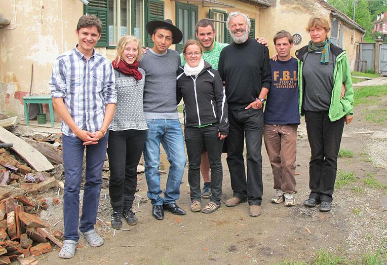 Ruth Zenkert und Pater Georg Sporschill gründen ELIJAH